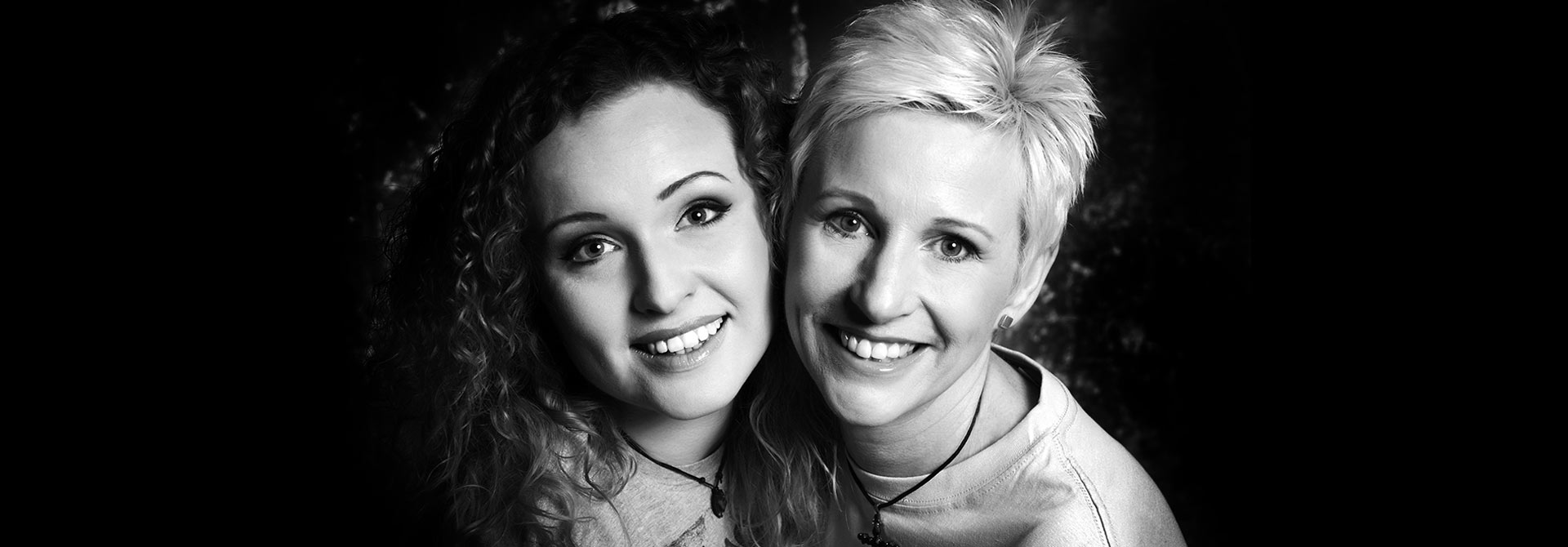 mother-and-daughter-makeover-photographers