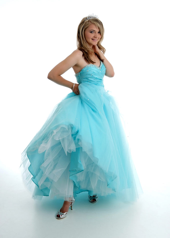 Prom Dress Makeovers Beautiful Dresses plus Beautiful Girls make Beautiful Pictures.